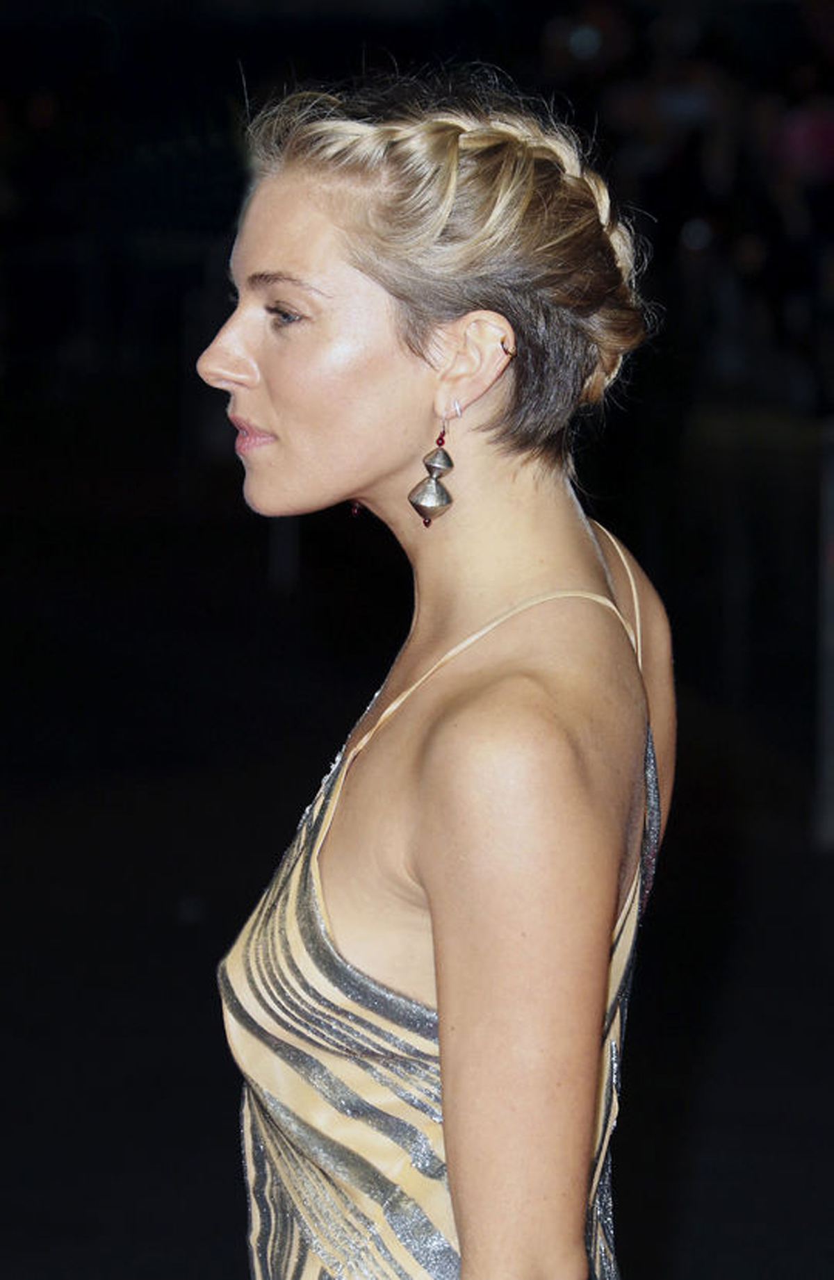 sienna-miller-hair-braid-side-w540